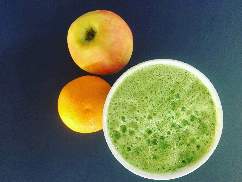 Green Smoothie mit Feldsalat & Karma